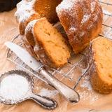 面筋自由的蛋糕用米粉和kaymak 免版税库存照片
