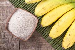 面粉和香蕉果子 库存照片