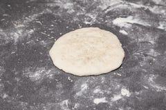 面粉面团bhatura 图库摄影