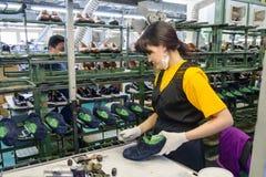 鞋厂的传动机 库存照片