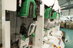 鞋厂的机器和设备 图库摄影
