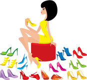 鞋子尝试妇女年轻人 免版税库存照片