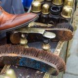 鞋子擦净剂工作 库存照片