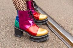 鞋子细节米兰妇女` s时尚星期 库存照片