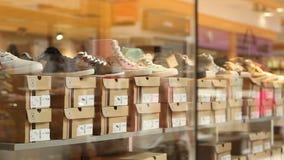 鞋类待售 股票视频