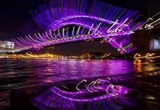 鞭子-看非常迷人的抽象图象的悉尼港桥 免版税库存图片