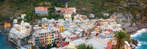 韦尔纳扎从上面,俯视海的国家的全景 免版税库存照片