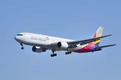韩亚航空波音767-38E, HL7248着陆在北京,中国 库存图片