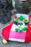 韩国传统新的year& x27; 在灰色背景的s幸运袋 库存照片