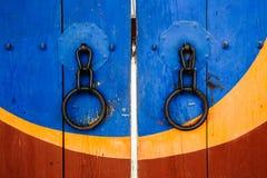 韩国传统木门和门把手 库存照片