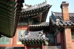 韩国传统屋顶 免版税库存图片
