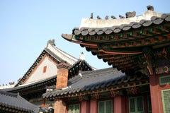 韩国传统屋顶 免版税库存照片