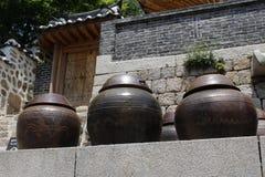 韩国传统缸 免版税库存图片