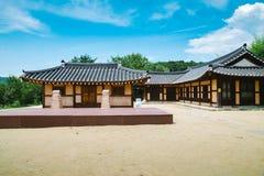 韩国传统老房子夏日 图库摄影
