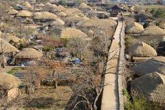 韩国传统老镇的远景 免版税库存图片