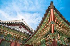 韩国屋顶在昌德宫宫殿叫嚷 库存图片