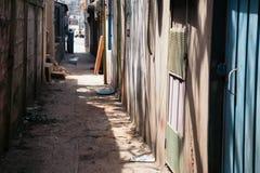 韩国老狭窄的街道 库存图片