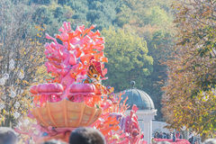 韩国- 10月31 :五颜六色的服装的舞蹈家参与 免版税库存照片