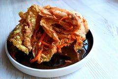 韩国kimchi sidedish在中立背景 免版税库存照片