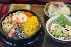 韩文混杂的米盘 免版税库存照片