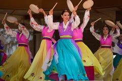 韩文的舞蹈演员 库存照片