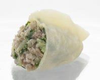 韭葱饺子的横断面 免版税库存照片