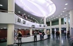 音乐会休息室大厅监听程序 图库摄影