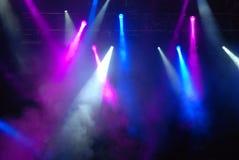 音乐会点燃闪光灯 免版税图库摄影