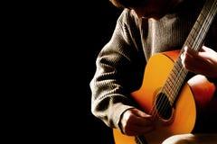 音乐会的吉他弹奏者音乐家 免版税库存照片