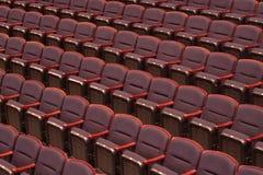 音乐会空的大厅位子 免版税库存图片