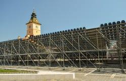 音乐会金黄雄鹿节日论坛的建造场所脚手架在布拉索夫 免版税库存图片