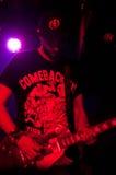音乐会闪电的吉他弹奏者 库存图片