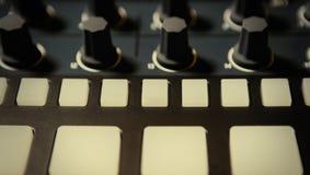 音乐作曲家的专业敲打机器设备 免版税图库摄影