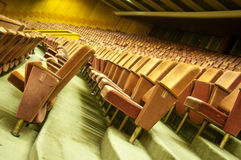 音乐厅台阶和位子 免版税库存照片
