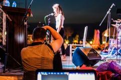 音乐和诗歌节日的摄影师 库存照片