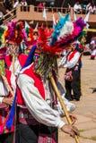 音乐家和舞蹈家在普诺的秘鲁秘鲁安地斯 免版税库存照片