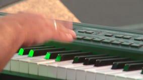 音乐家在迪斯科使用 股票录像