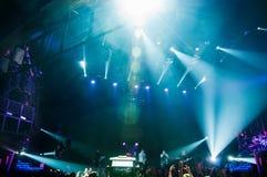 音乐家的表现摇滚乐音乐会的,摄制为te 免版税库存照片
