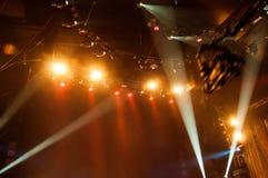 音乐家的表现摇滚乐音乐会的,摄制为te 免版税库存图片