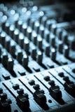 音乐搅拌机服务台 免版税库存图片