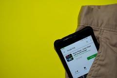 音乐播放器-有合理的更换者dev应用的音频球员在智能手机屏幕上 免版税库存照片
