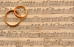 音乐敲响婚礼 免版税库存照片