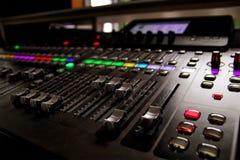 音乐演播室搅拌器控制 图库摄影