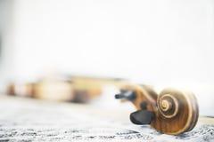 音乐纸张小提琴 图库摄影