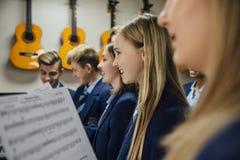 音乐课在学校 免版税库存照片