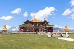 巴音布鲁克草原寺庙在新疆 免版税图库摄影