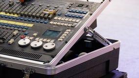 音频搅拌器 数量的放大器接近的瘤声音 音乐混合的工程学设备 图库摄影