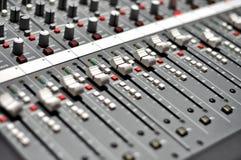 音频混合pult 免版税库存照片
