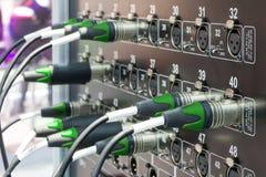 音频连接器、缆绳和连接器 免版税库存照片