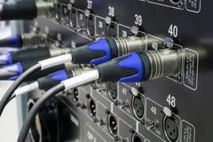 音频连接器、缆绳和连接器 库存图片